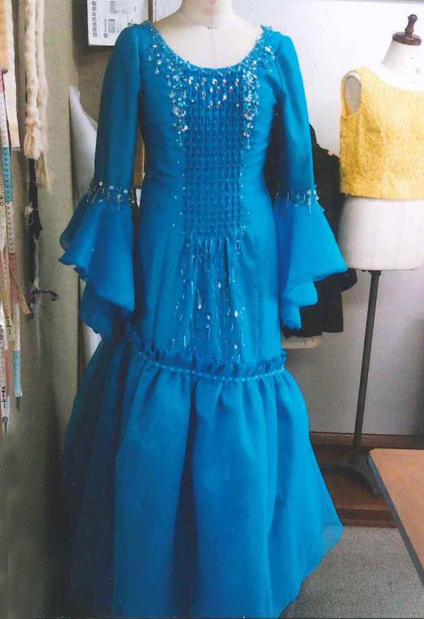ソプラノ歌手のリサイタルドレス